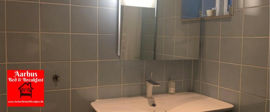 aarhus bed and breakfast bathroom 12